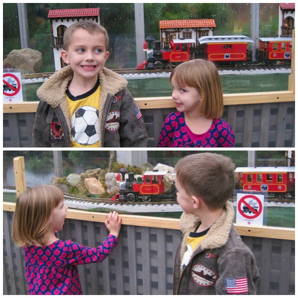 kids-love-model-trains